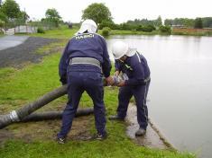 Setkání hasičů v Semněvicích dne 11.6.2005